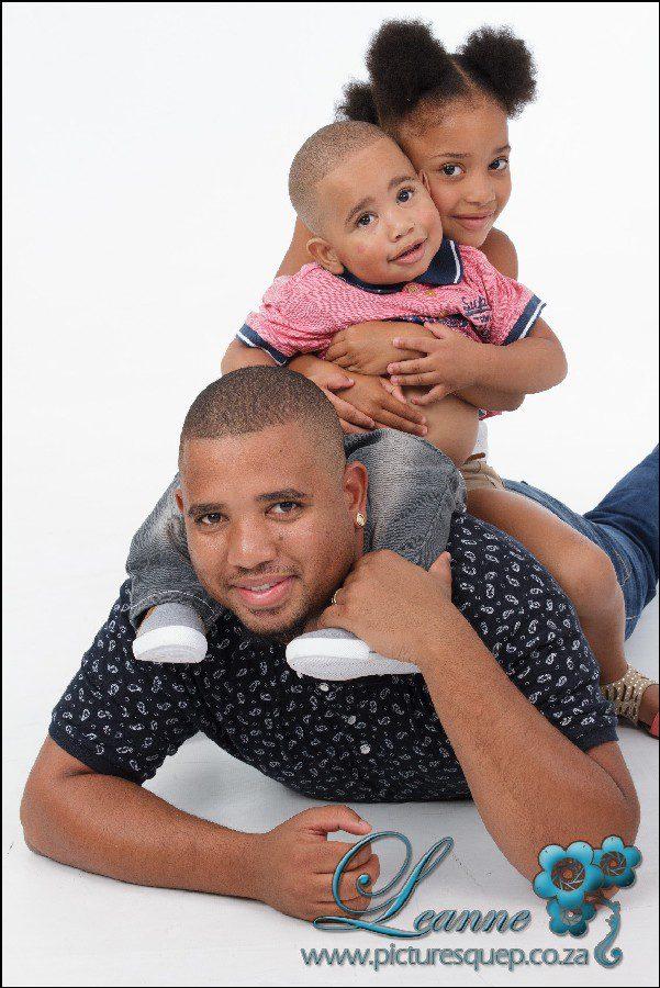 Desiree family studio photoshoot